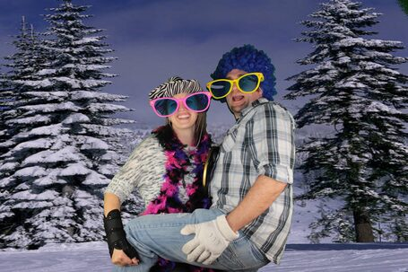 GO NUTS GREEN SCREEN PHOTO BOOTHS – Green Screen Photo Booth Event Party Rental